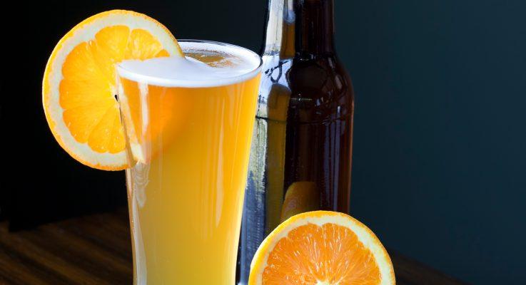 elaborar cerveza con cáscara de naranja