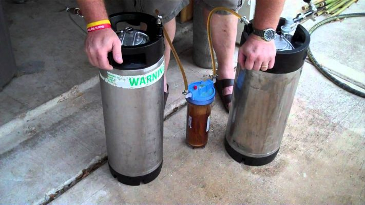 filtrar la cerveza