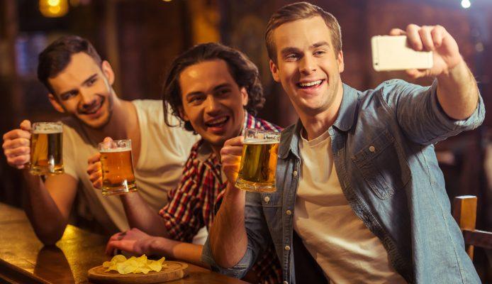 Tailandia ilegal selfie cerveza